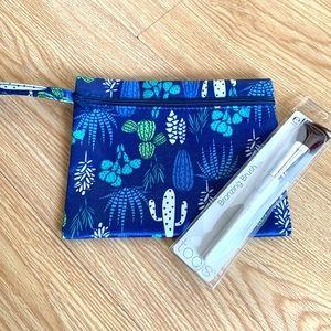 e.l.f Bronzing Makeup Brush & Cactus Pouch